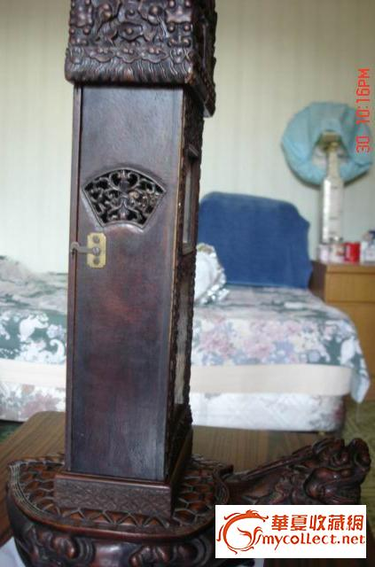 少见的木雕龟驮碑古董钟