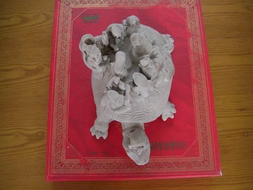 龟驮八仙图片