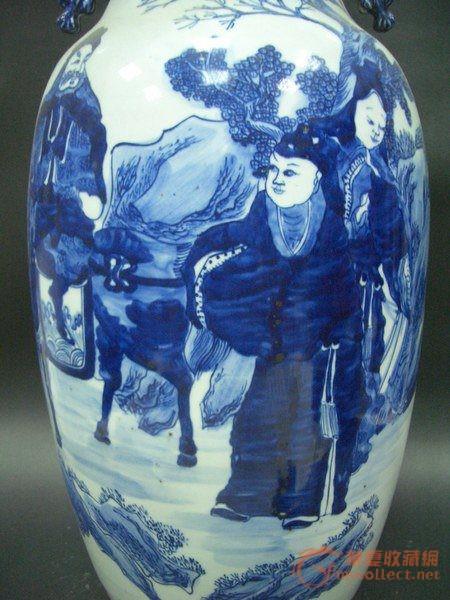 青花人物花瓶