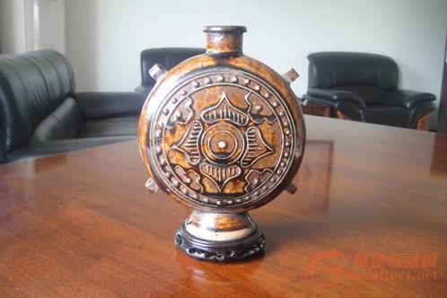 古代的旅行酒壶