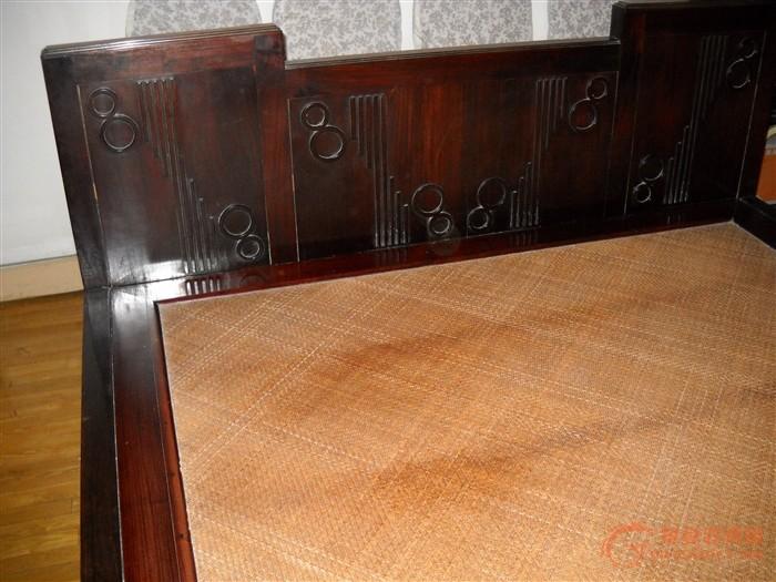 祖传民国(30年代)海派老红木床一张,1530x2070,品相完好,棕垫上层为藤