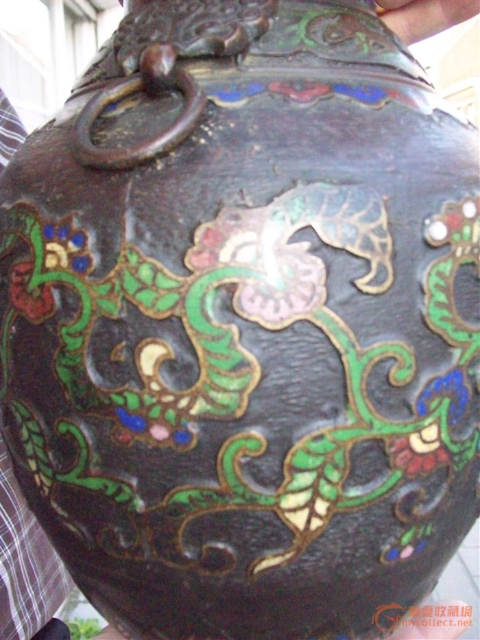铜胎掐丝珐琅彩花瓶