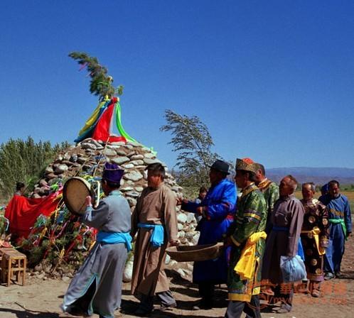 塔塔尔族萨班节在每年的5月举行