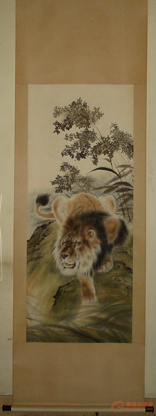 擅长中国画.精于工笔鸟兽,草虫.