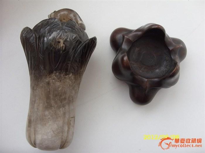 清代水晶雕刻白菜摆件