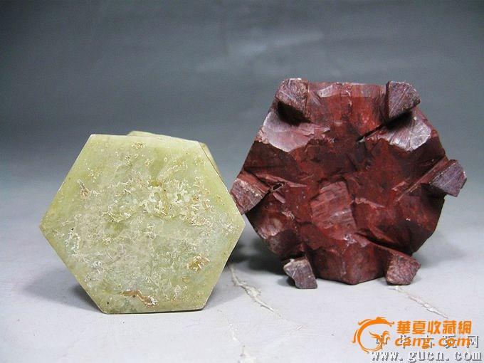 清代寿山宝塔石雕,雕工非常细腻,石料不错,是个值得收藏的石雕,全品