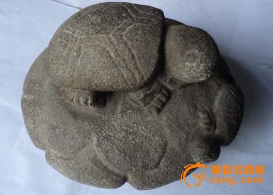 看下这二件石雕到清吗?