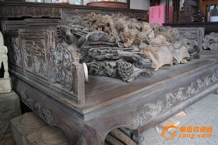 红木雕花罗汉床