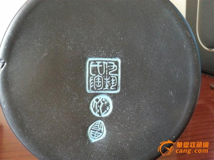 座落在青岛市城阳区,艺术馆内陈列和馆藏仇志海的雕塑,黑陶作品和等数