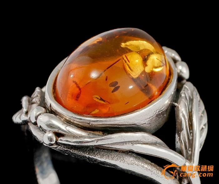 琥珀戒指;; 琥珀 银镶嵌戒指