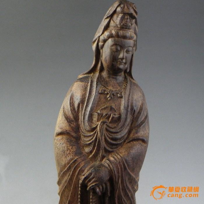 几年前家人收藏的沉香木观音雕件