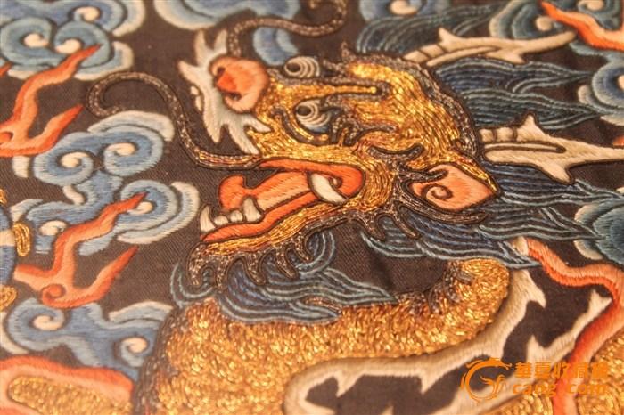 龙纹刺绣盘