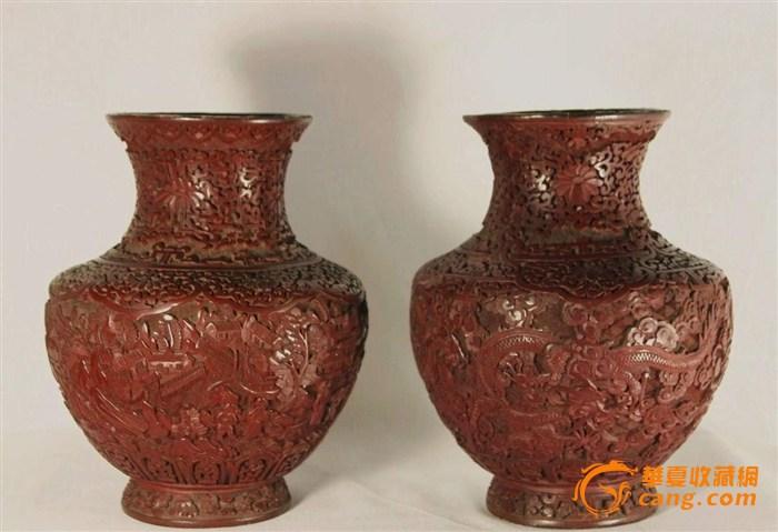 一对剔红雕漆花瓶