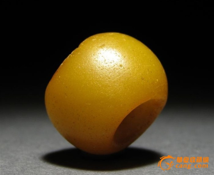 鸡油黄蜜蜡 高清图片