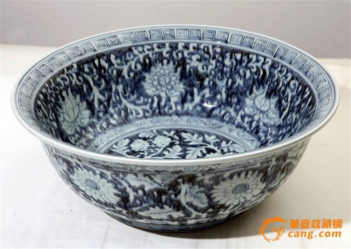 青花缠枝菊纹海碗