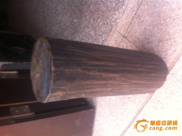 而沉香木类材质多为散孔材质