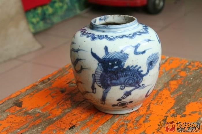 明中期青花罐