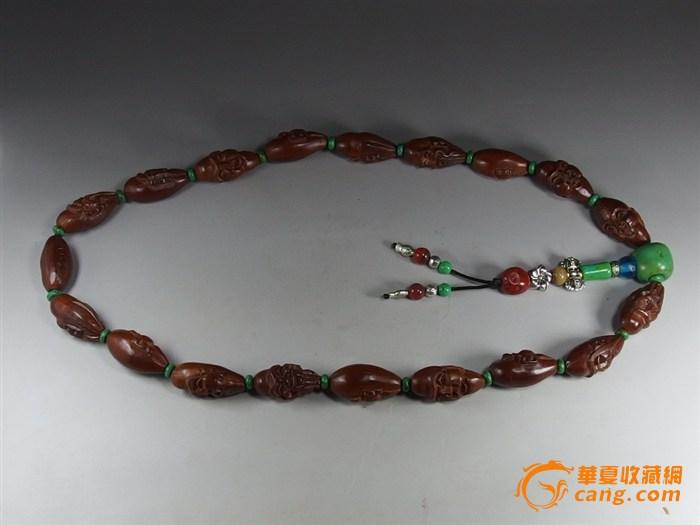 藏式十八罗汉核雕手持佛珠