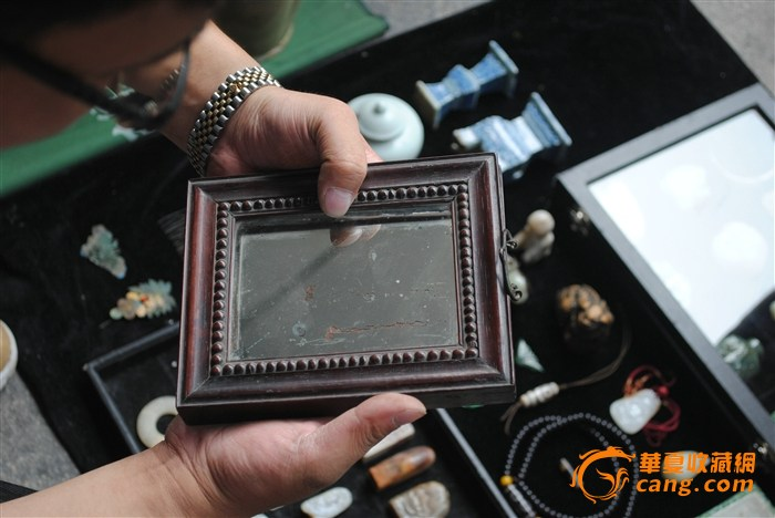 检漏王现场藏品图片:高估韵藏――挂镜