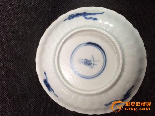 清康熙海山仙鹤青花杯碟一对,品相完好,海水浸泡表面釉微失光.