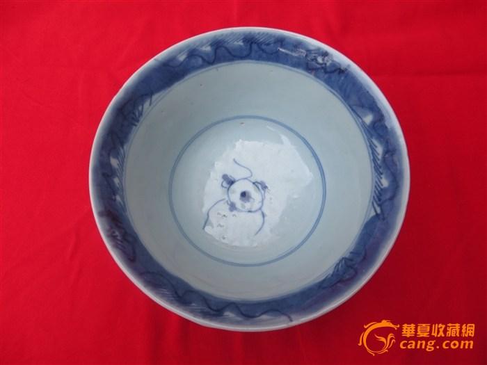 清早期鱼藻纹青花大碗