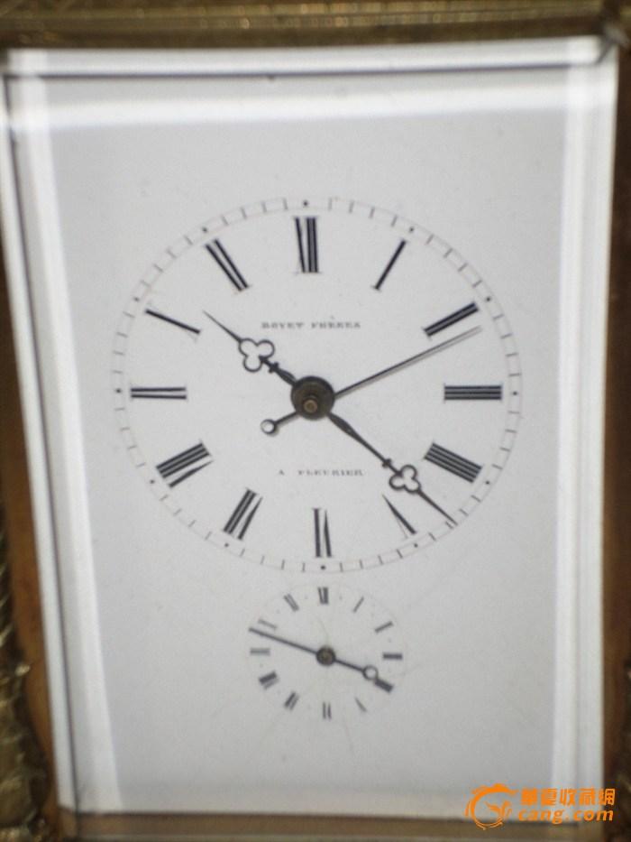 bovet 播威 带音乐合皮套钟,三针,底部带有音乐合,还有闹钟和问时功能。高21cm, 宽12cm. 钟面和钟芯背面有外文bovet的签名,背面底部有序号。钟体刻花,钟上有老的火漆印。应是国内出来的。人在外面,外国朋友知道我爱中国老钟和过去在中国市场销售的外国钟,发来了这个钟。