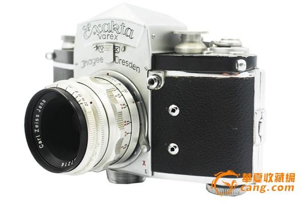 当时这革命性设计帮助德国相机工业在全世界建立声望,同时也是相机