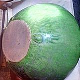 绿色老香炉和两个老碗